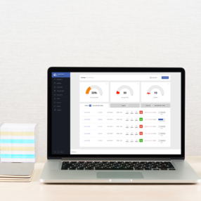Tableu de bord de Base7booking cloud Saas sur un bureau