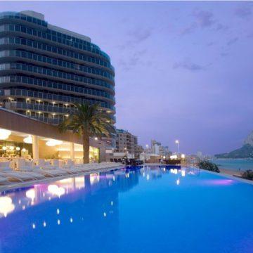 Piscina hotel Sol y Mar