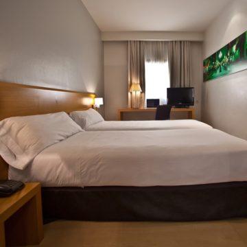 Dos camas dobles de hotel