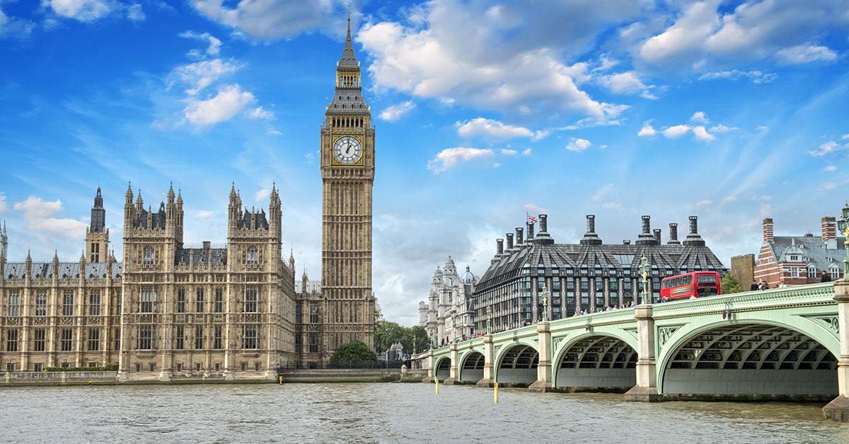 Vista del Big Ben e del Tamigi a Londra