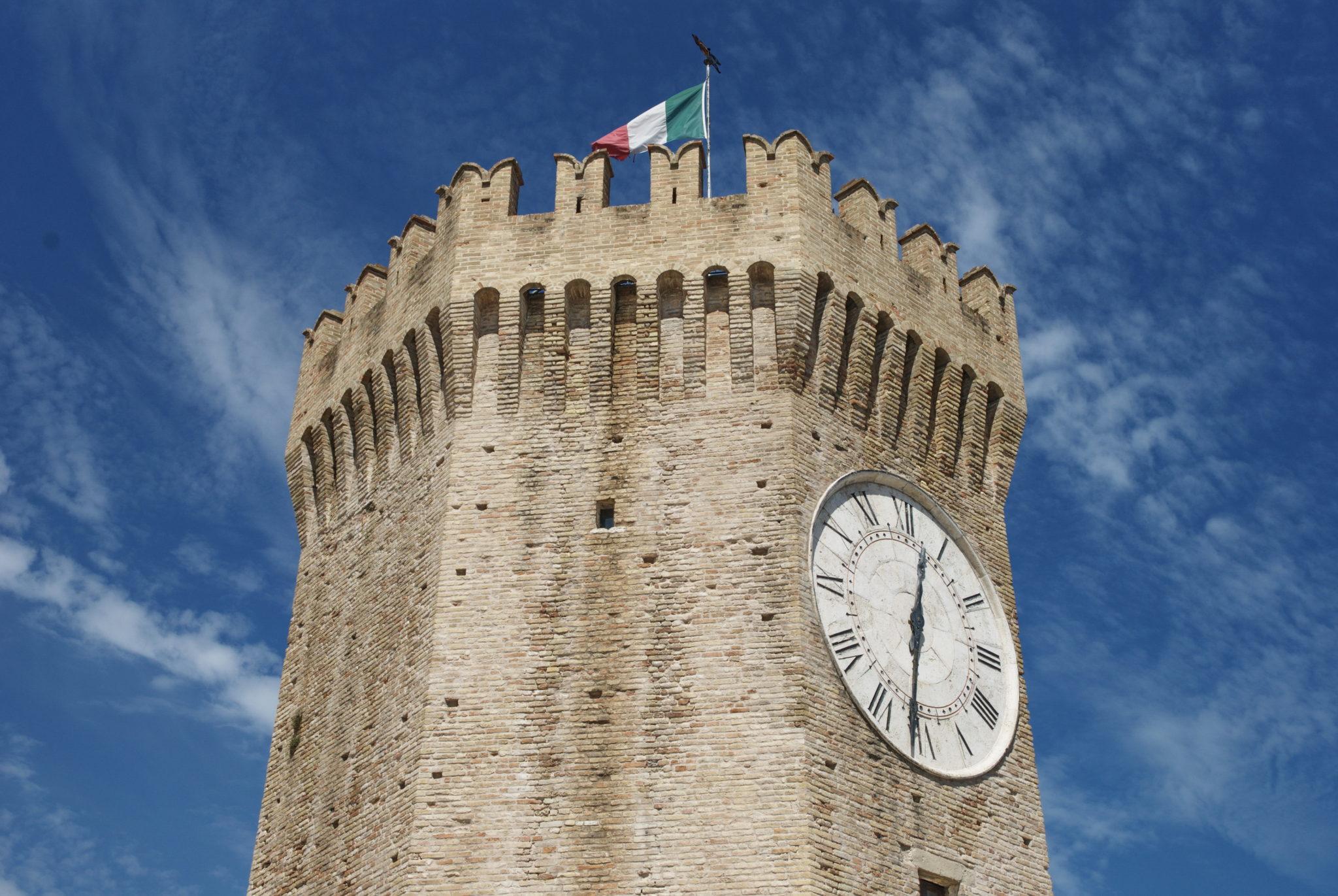 Orologio torre Porto Recanati a Macerata