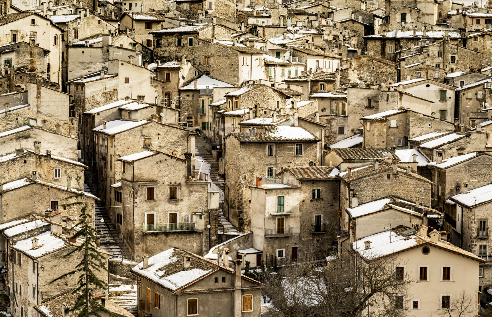 Scanno in Abruzzo con la neve