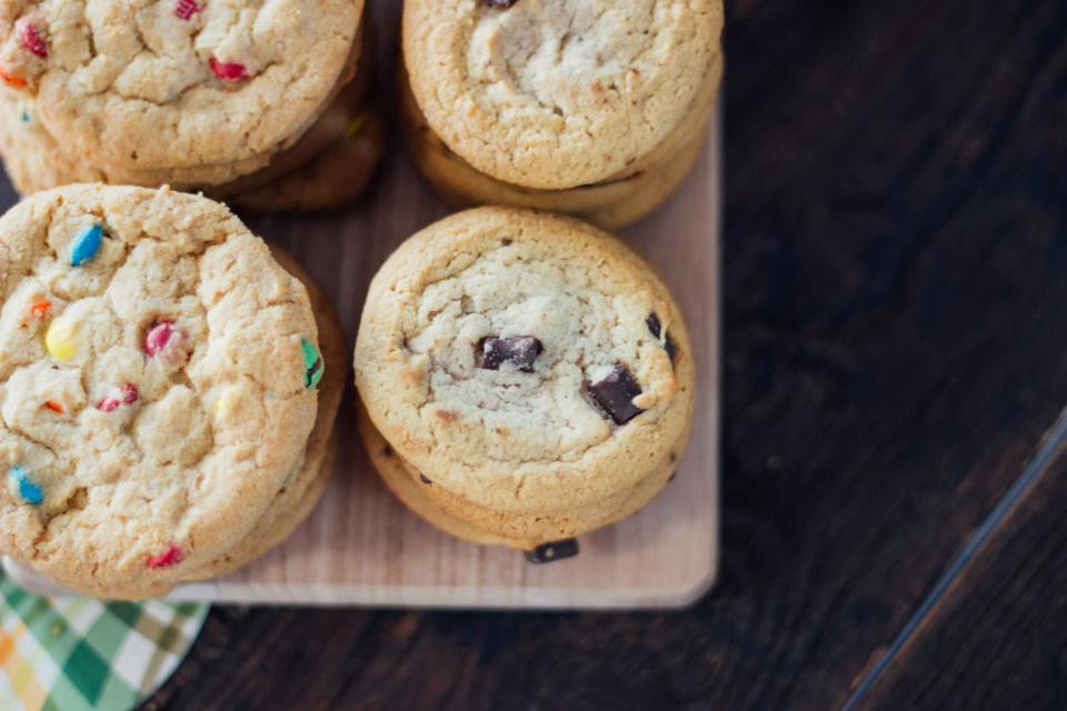 cookies qui viennent de sortir du four