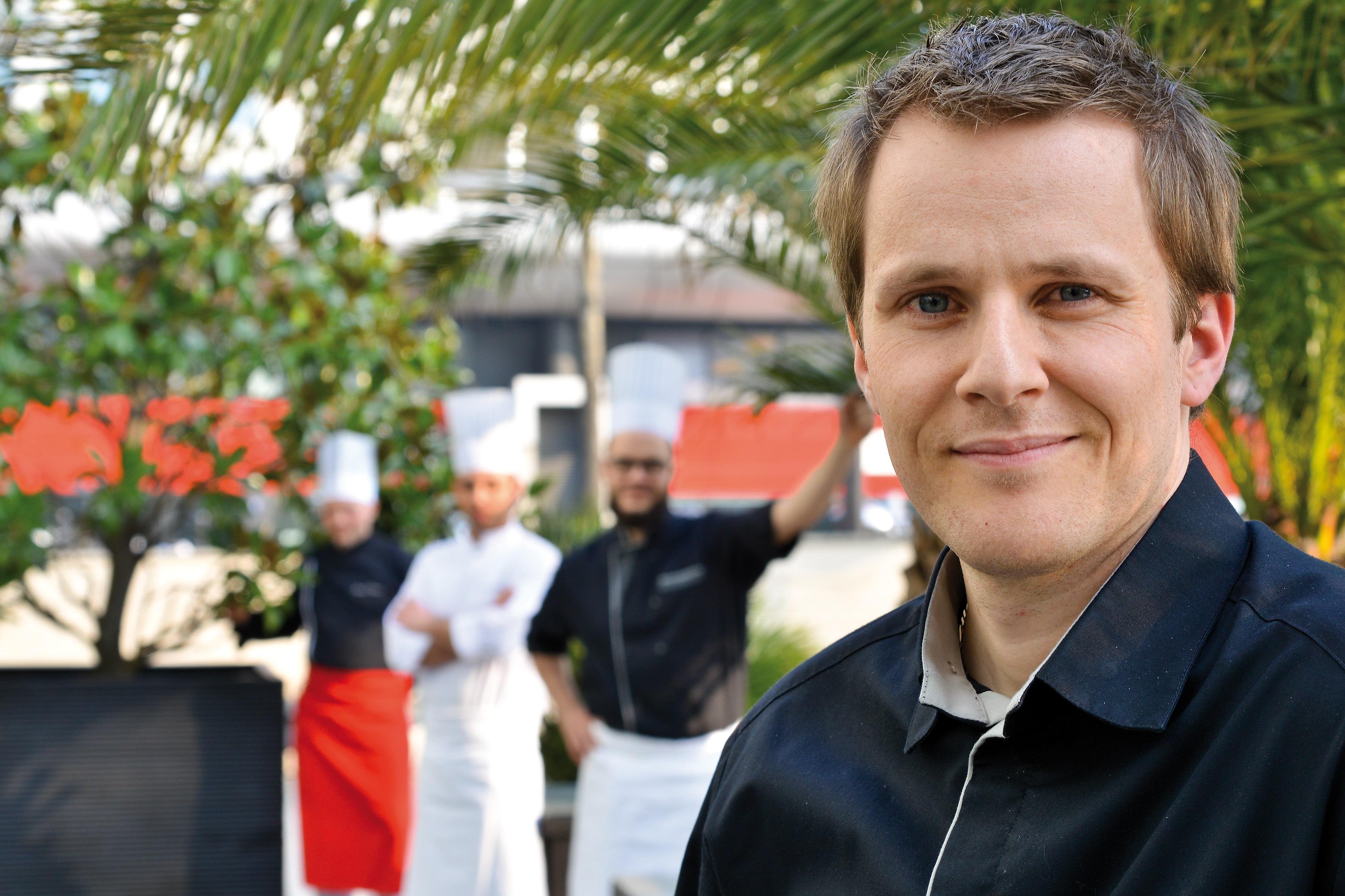 L'équipe en cuisine et au buffet sont toujours pret à accueullir les clients avec le sourire
