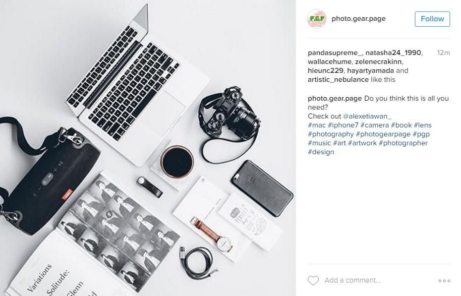 Klicken Sie hier für Instagram-Fotos von photo.gear / Aufnahme von oben mit den Must-have-Werkzeugen eines Instagrammers