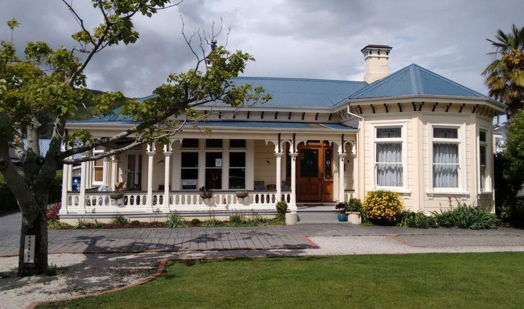 Exterior of Collingwood Manor in New Zealand