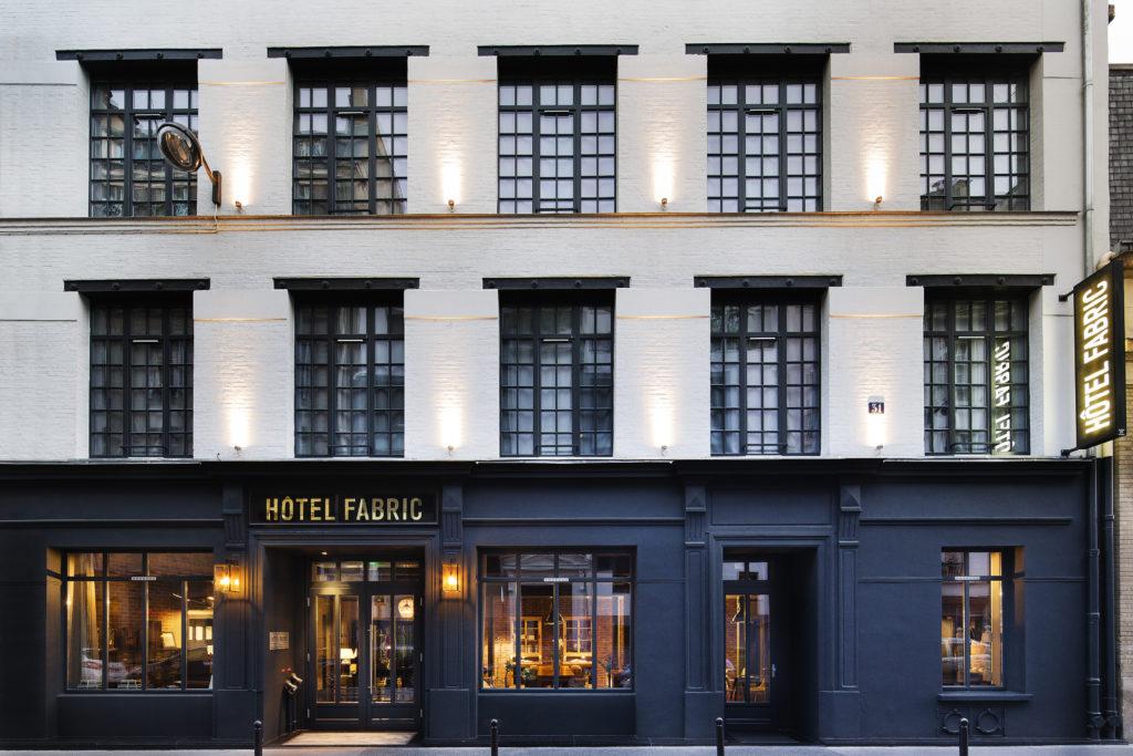 Vue d'exterieur de la façade de l'Hôtel Fabric