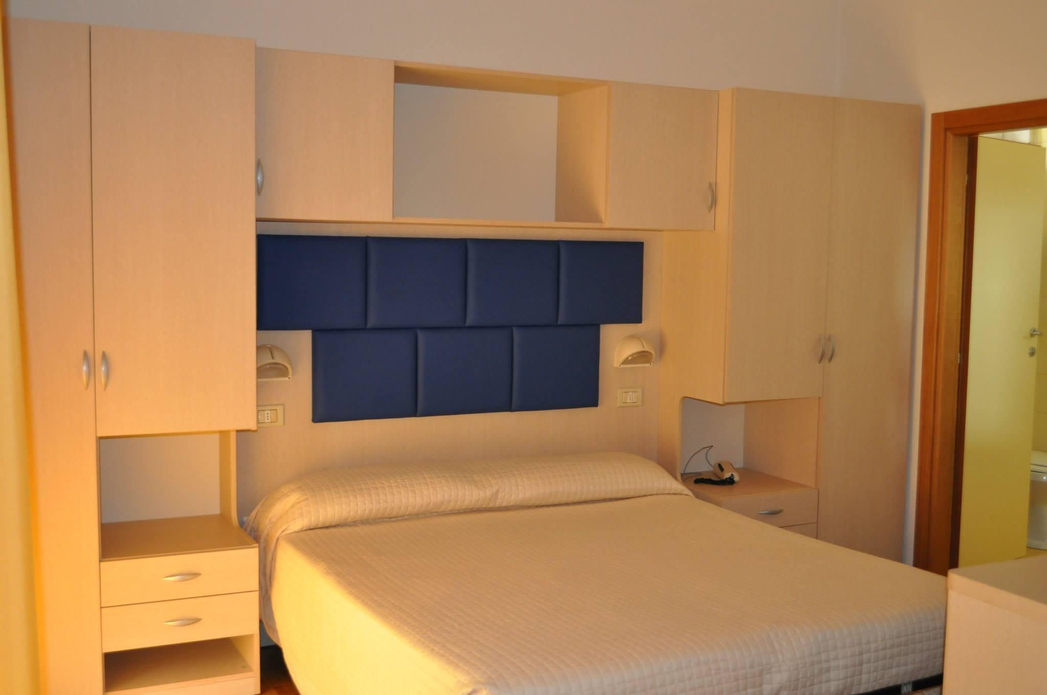 Una camera dell'hotel Stresa di Rimini