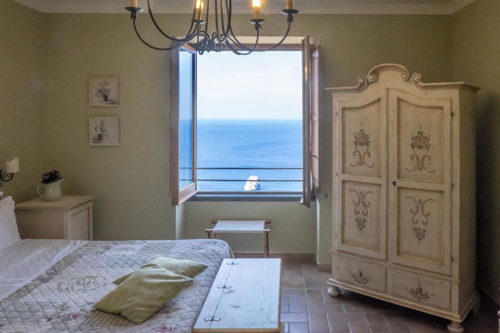 Camera di Villa Ketty con vista sul mare
